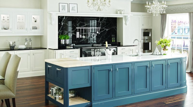 Traditional luxury inframe kitchen furniture