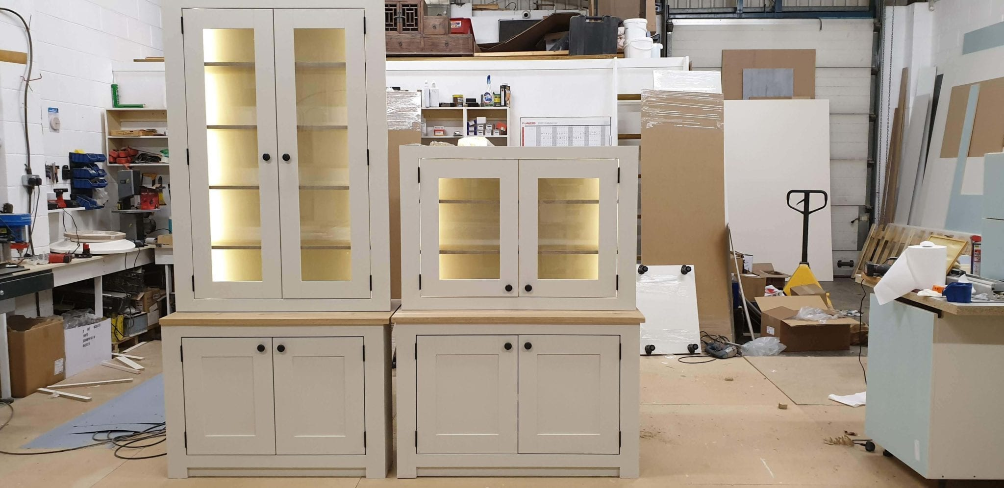 Manufacturing of fitted alcove cabinets
