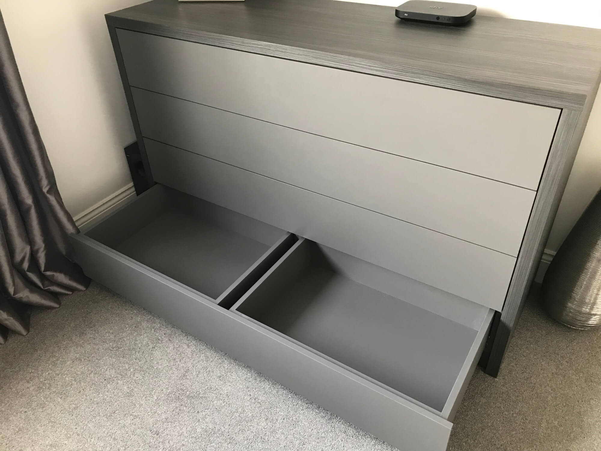Push to open drawers